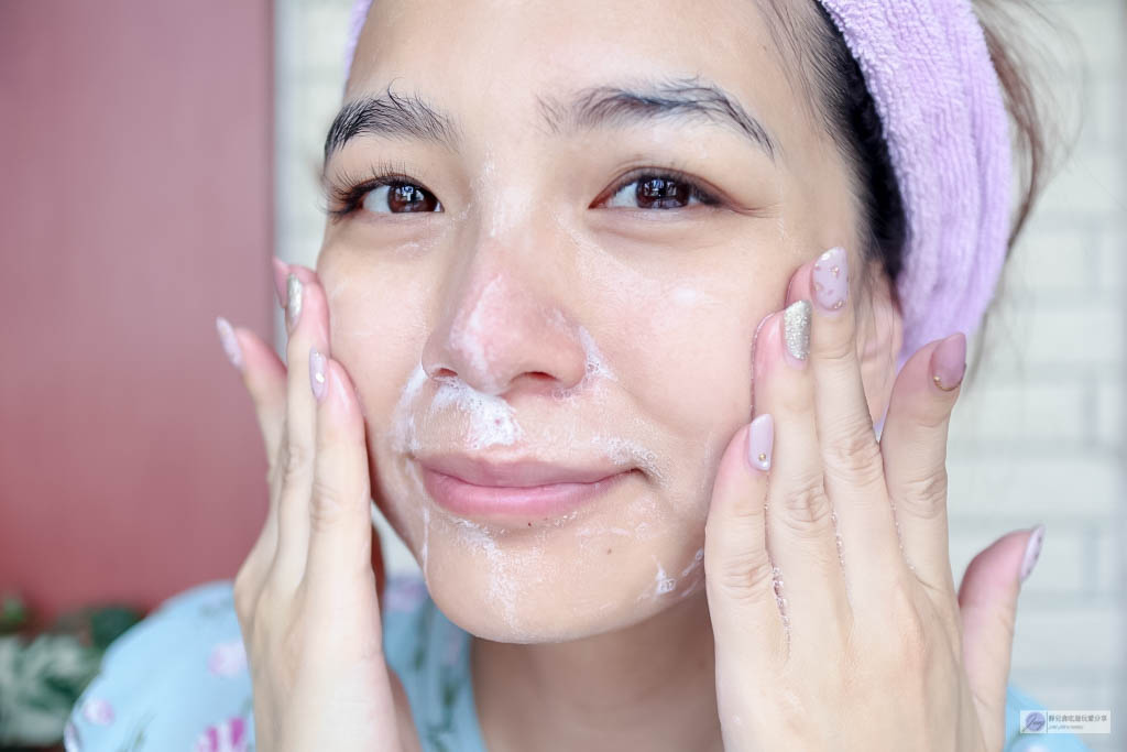 正確洗臉手法
